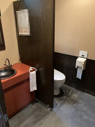 店舗側トイレ