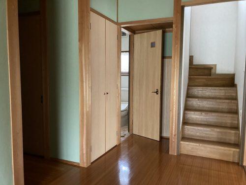 玄関ホール・階段