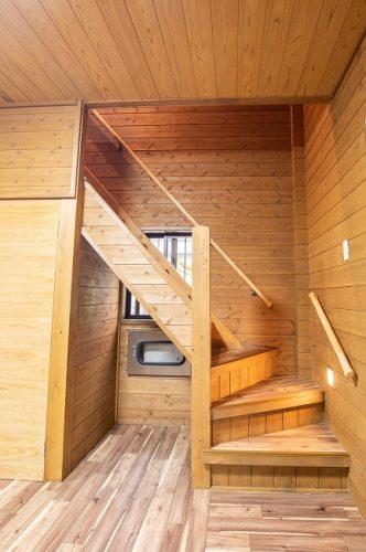 玄関横 階段