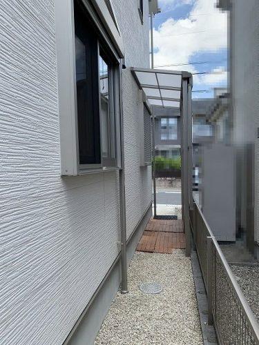 建物東側ストックヤード(テラス屋根)